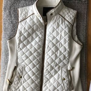 Active USA white quilted vest with gold accents